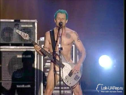 Басист группы Red Hot Chili Peppers